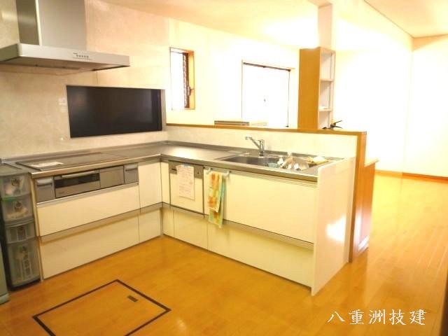 増築リノベーションキッチン(北九州市内施工事例)©八重洲技建