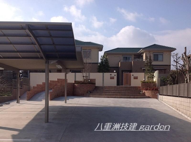 新築二世帯住宅 リゾート風の広い外構 北九州市小倉南区外構工事©八重洲技建