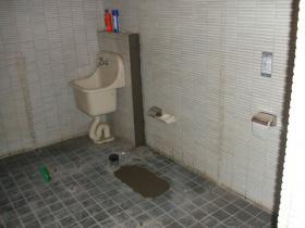 石川県トイレ施工中その後