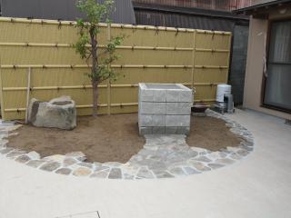 O様邸外構工事舗装の終わった庭③